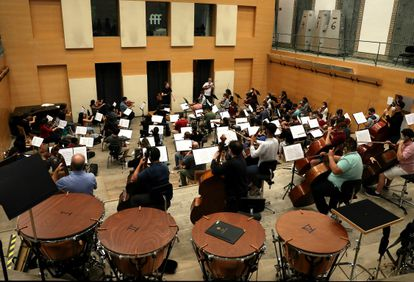 Gustavo Dudamel, en otro momento del ensayo.