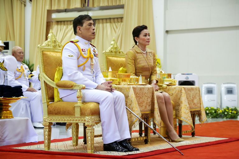 El rey Maha Vajiralongkorn y la reina Suthida, en los festejos del 24 de septiembre de 2020 en Bangkok (Tailandia).