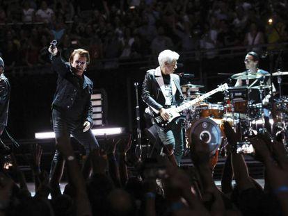U2, ayer en pleno concierto.