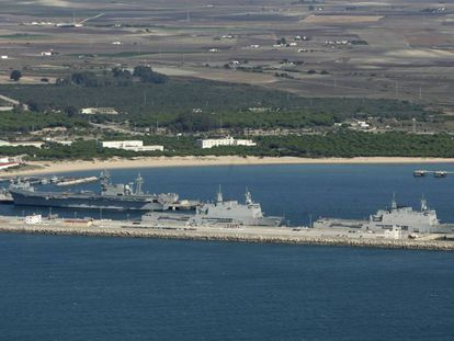 Vista de los muelles de la base naval de Rota (Cádiz).