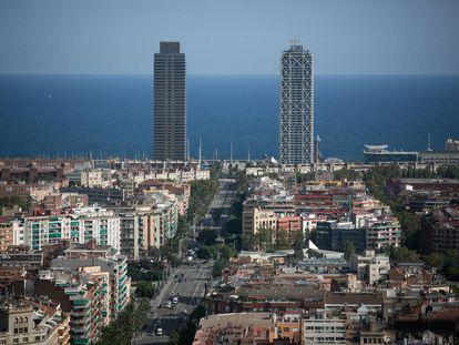 Vista panorámica de Barcelona desde la basílica de la Sagrada Familia.