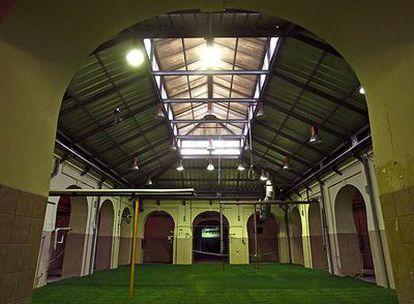 Estructura interior del viejo edificio de Tabacalera de Madrid, que albergará el Centro Nacional de Artes Visuales.