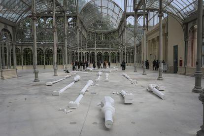 'Meridiano de Madrid: sueño y mentira', exposición de Pep Agut en el Palacio de Cristal de El Retiro (Madrid).