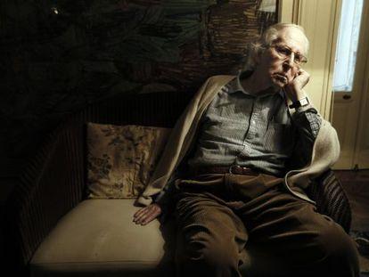 Alberto Schommer, fotografo, en su casa de Madrid.