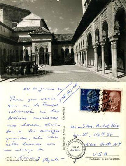 Postal de 1960 remitida por Ayala y su primera mujer, Nina Silva, al hispanista Ángel del Río y esposa.