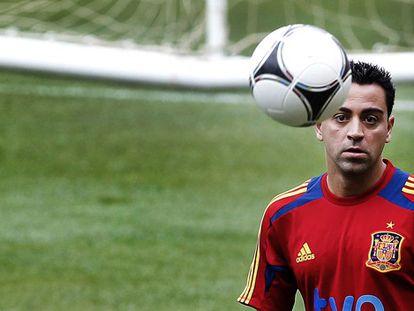 Xavi, en un entrenamiento con la selección.