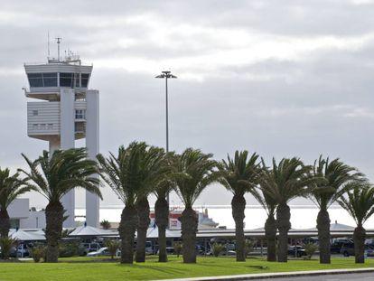 Imagen exterior del aeropuerto de Lanzarote.