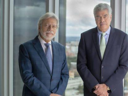 Los hermanos Luis Amodio (izqda.) y Mauricio Amodio (dcha.), presidente y consejero dominical de OHL, en una imagen facilitada por la compañía.