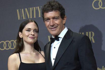 Antonio Banderas y su hija Stella del Carmen en noviembre de 2019, cuando el actor recibió el premio de la revista Vanity Fair a personaje del año.