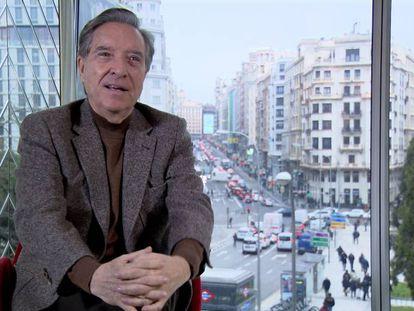 Iñaki Gabilondo, en una imagen de 'El afán por entender', documental de la serie 'Imprescindibles'.