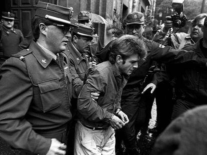 En foto, detención de Miguel Ricart, condenado por el asesinato de las niñas de Alcàsser en 1992.