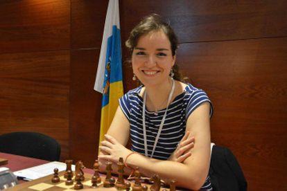Sabrina Vega, antes de comenzar una partida del Campeonato de España en Linares (Jaén) hace un año.