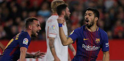 Suárez y Alcàsser celebran el primer gol blaugrana.