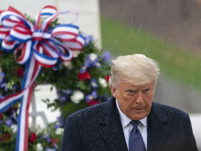 Donald Trump, este miércoles en el cementerio militar de Arlington (Virginia).