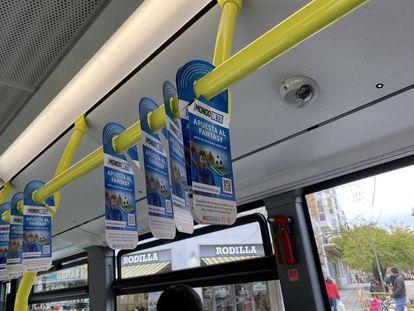La campaña de publicidad de las casas de apuestas deportivas, en la línea 126 de autobuses urbanos.