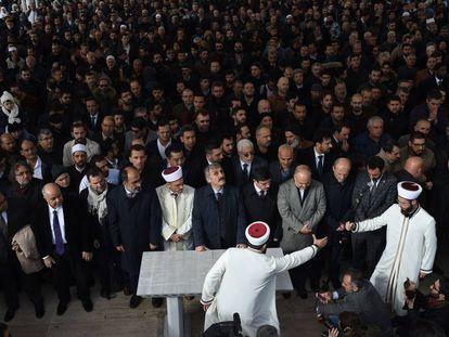 Funeral simbólico por Jamal Khashoggi en la mezquita de Fatih de Estambul este viernes.
