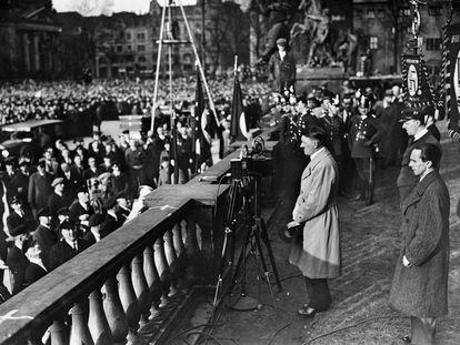 Adolf Hitler pronuncia un discurso en Berlín durante su campaña electoral.