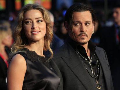 Amber Heard y Johnny Depp, en octubre de 2015.