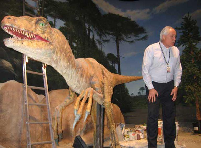 Reproducción de un dinosaurio en el Museo del Creacionismo en Petersburg, Kentucky (EE UU).
