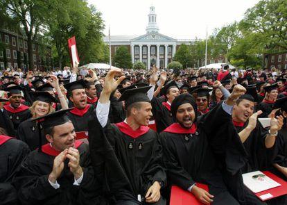 Graduación de estudiantes en la Universidad de Harvard, en un acto académico celebrado en 2009.