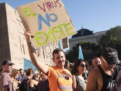 Manifestación de negacionistas del covid-19 en agosto de 2020 en Madrid.