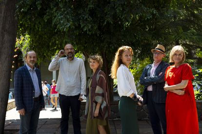 A group of participants in the Roots ans seeds conference at the University of Barcelona.  From left to right: Lucio Montecchio, Nacho Peres, Evgenia Emets, Paula Bruna, Antonio Riello and Tatiana Kourochkina.
