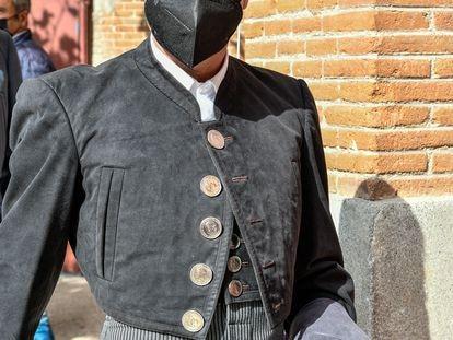 El torero Enrique Ponce, el pasado 2 de mayo en Las Ventas, con la efigie de Franco en la botonadura de la chaquetilla.
