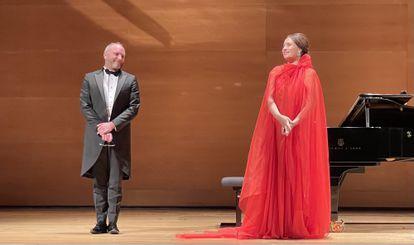 La soprano Sonya Yoncheva y el pianista Antoine Pallou, durante el recital.