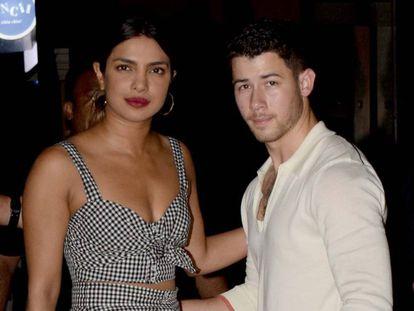 Priyanka Chopra y Nick Jonas en Mumbai, India, el 22 de junio de 2018