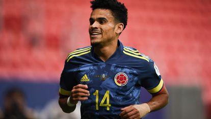 Luis Díaz celebra su primer gol contra Perú, este viernes en el estadio Mané Garrincha.