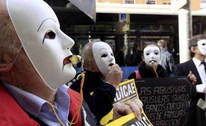 Protesta de afectados por la cláusula suelo, el pasado enero en Madrid.