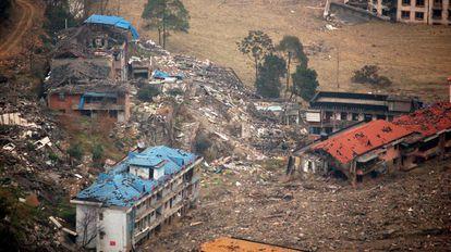 Devastación en la provincia de Sichuan tras el terremoto de Wenchuan de 2008, que se cree que se debió a la actividad industrial en una presa cercana.
