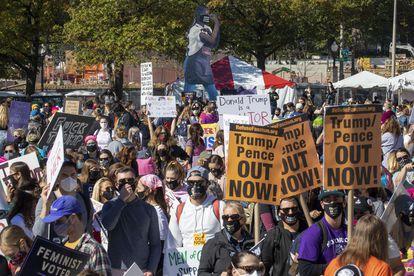 Manifestantes en la Marcha de las Mujeres este sábado en la ciudad de Washington.
