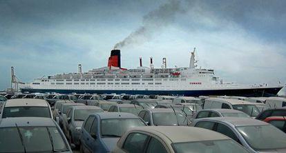 El buque Queen Elisabeth 2, atracado en Valencia, en una imagen de archivo.