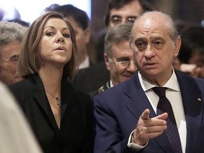 María Dolores de Cospedal y Jorge Fernández Díaz, exministros del Gobierno, en una imagen de archivo.