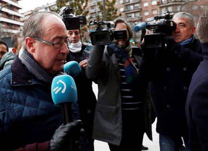Ángel Vizcay llega a la Audiencia Provincial de Navarra.