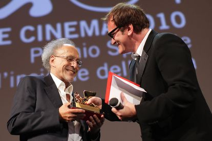 Monte Hellman receives a special Golden Lion from Quentin Tarantino at the 2010 Venice Film Festival.