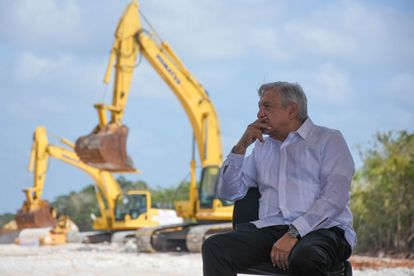 Andrés Manuel López Obrador, presidente de México, durante su visita al municipio Dzitbalché de Calkini en el estado de Campeche, para supervisar el avance del Tren Maya el pasado mes de diciembre.