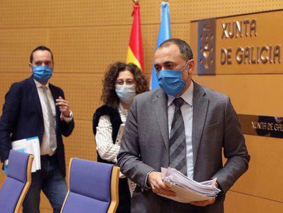 El consejero de Sanidad de la Xunta, Julio García Comesaña, este viernes en rueda de prensa.
