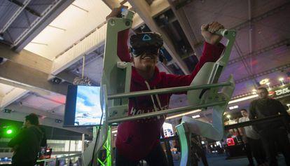 Máquina de realidad virtual en el Barcelona Games Wolrd.