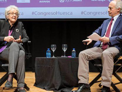Soledad Gallego y Juan Carlos Iragorri, este jueves en el congreso de Huesca.