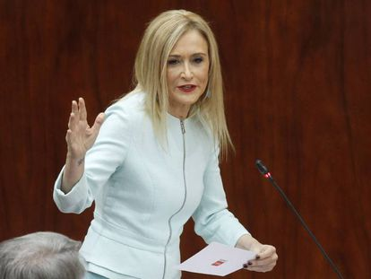 Cristina Cifuentes, este jueves en la Asamblea de Madrid.