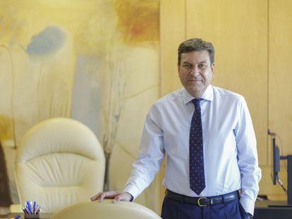 Carlos Fernández Carriedo, consejero de Economía y Hacienda de Castilla y León, en su despacho en Valladolid.