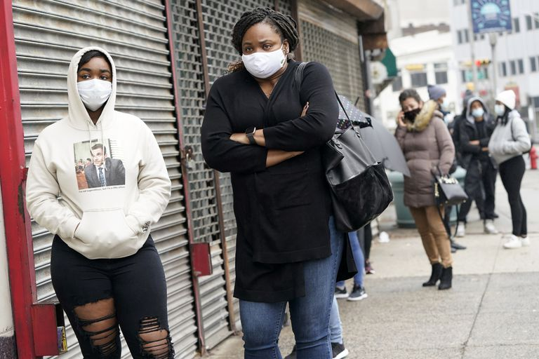 El coronavirus pone al límite el caótico sistema sanitario de Estados Unidos  | Elecciones USA | EL PAÍS