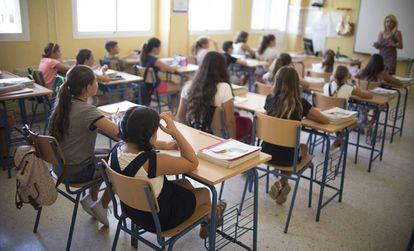 Alumnos de un colegio público de infantil y primaria de Sevilla en el primer día de curso el pasado 12 de septiembre.