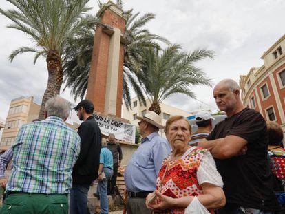 Protestas contra el derribo de la Cruz de los Caídos.