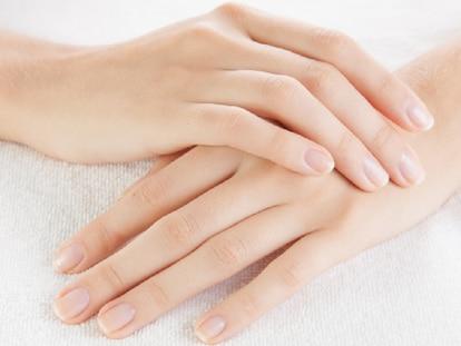 Hay ocasiones en las que es necesario recurrir a tratamientos intensivos para reparar las uñas. GETTY IMAGES.