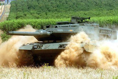 Carro de combate Leopard 2E del Ejército español, cuya venta se negocia con Arabia Saudí.