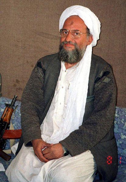 Ayman al Zawahiri, lugarteniente de Bin Laden, luce en su mano izquierda uno de los modelos Casio.