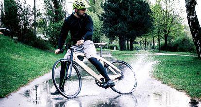 Bicicleta de madera.